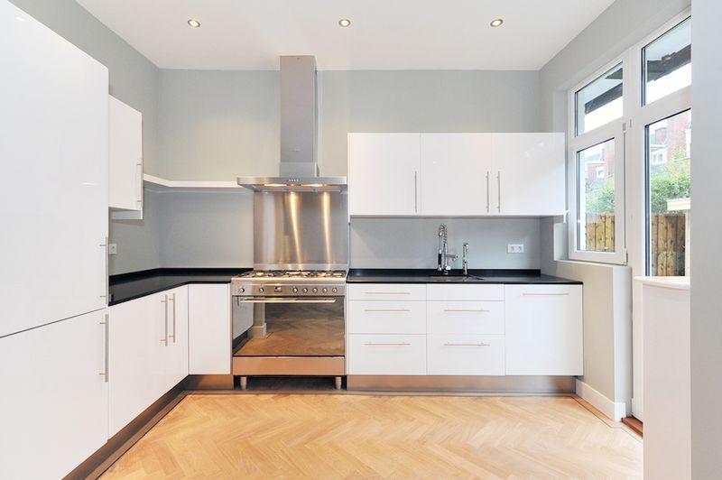 Keuken Ikea Kind : Ikea keuken met Smeg apparatuur Qualuxa ( Den Haag ) – info@mrietdijk